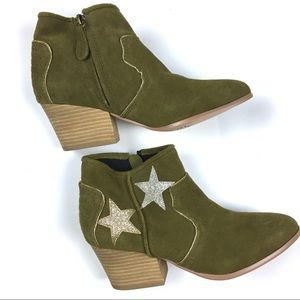 Mojo Moxy Tracery Green Suede Gold Silver Stars